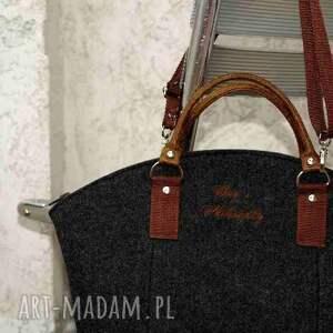 torebka torebki czarne filcowa grafitowa brązowa