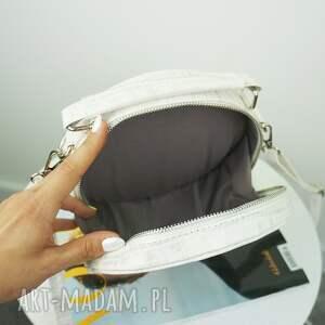 niepowtarzalne torebki listonoszka w kształcie koła
