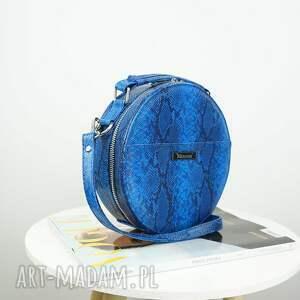 czarne torebki urocza listonoszka w kształcie koła. torebka