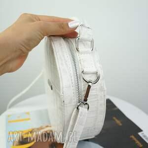 niepowtarzalne torebki torebka listonoszka w kształcie koła, w całości
