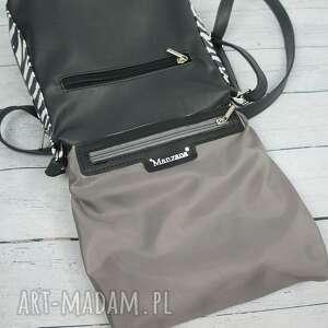czarno-biała torebki listonoszka zameczki modny motyw