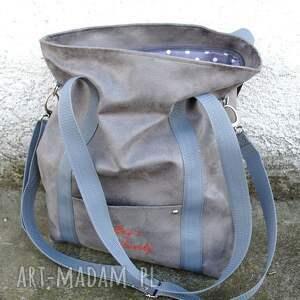 z personalizacją torebki szara sportowa torba z zamszu