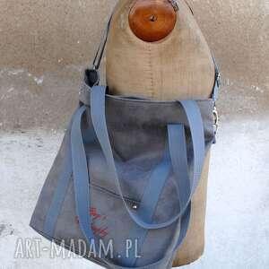 torebki z personalizacją szara sportowa torba z zamszu