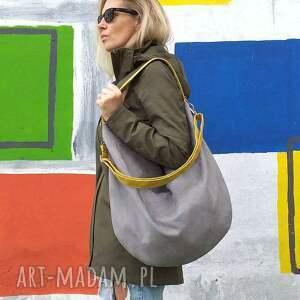 Szara torba worek z musztardowymi paskami - torebka na ramie