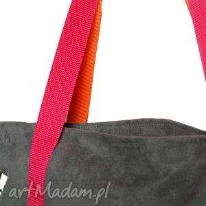 kolor torebki pomarańczowe szara zamszowa torba na ramię