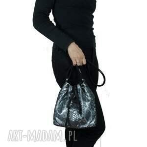 torebka damska torebki woreczek posiada niepowtarzalny design