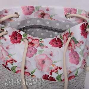intrygujące różowe torebka worek w piękny kwiatowy