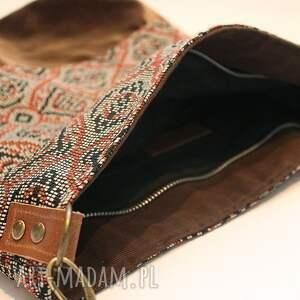 wyraziste torebki listonoszka w orientalnym stylu