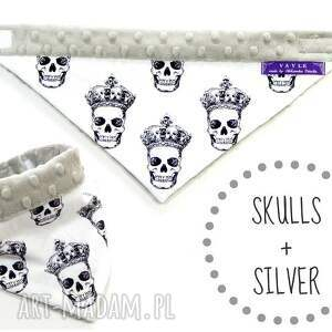 białe ubranka minky apaszka skulls silver