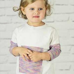 moda biała bluzeczka z aplikacja