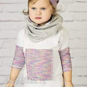 moda biała bawełniana bluzeczka. aplikacja