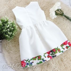 białe ubranka sukienka biała góralska folkowa