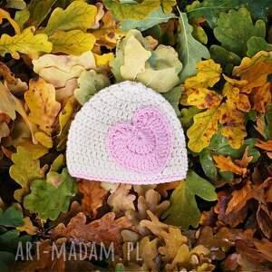 ubranka czapka serduszko