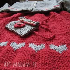 GAGA ART Komplet Serduszka - sweterek rękodzieło