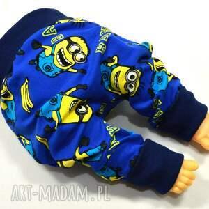 niebieskie spodnie minionki baggy pumpy