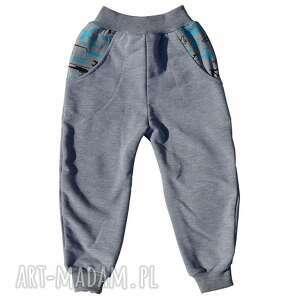 szare długie spodnie samoloty dla chłopca