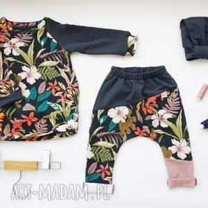 intrygujące spodnie do szkoły spodenki dla dziewczynki kwiaty 104