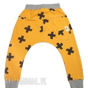 baggy spodnie krzyżyki