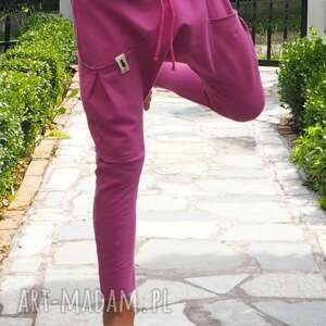ubranka spodnie baggy fuksja