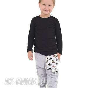 szare ubranka spodnie z kieszonką batmany