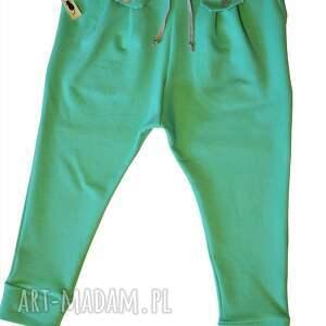 turkusowe ubranka spodnie w stylu jogger mięta