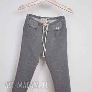 ubranka zakładki spodnie w stylu jogger szary melanż
