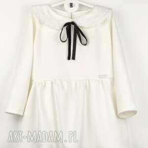 ręcznie zrobione ubranka aksamitka sukieneczka ecru z kołnierzykiem