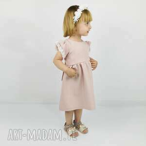 modne ubranka koronka sukienka pastelowy brudny roz z
