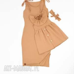 kolorowe sukienka z guziczkami i kokarda