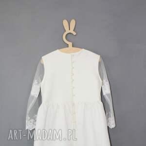 efektowne ubranka ecru sukienka z haftowanym rekawkiem