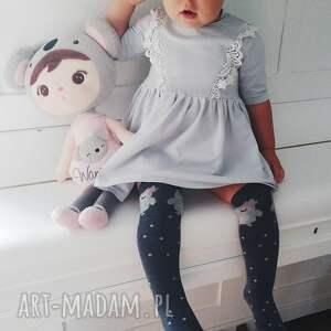 białe sukienka szara z korona