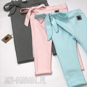 różowe ubranka kokarda wiązane spodnie dresowe