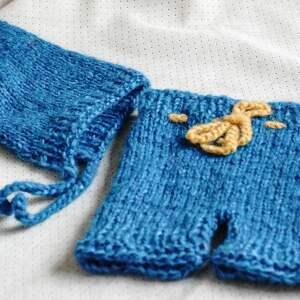 newborn szorty wykonane na drutach z delikatnej
