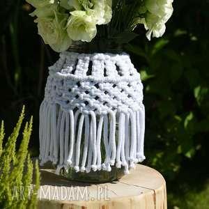 gustowne wazony fręzle wazon z makramą