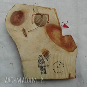 wieszaki naturalny domek na skarpie w lesie - wieszak