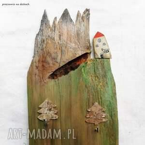 ręcznie robione wieszaki mały domek z górami - wieszak