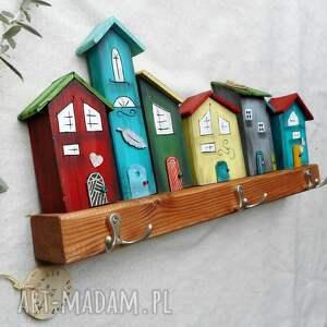 drewno wieszaki kolorowe domki -wieszak