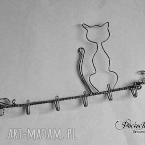 wieszaki metal kot wiktor - wieszak na biżuterię