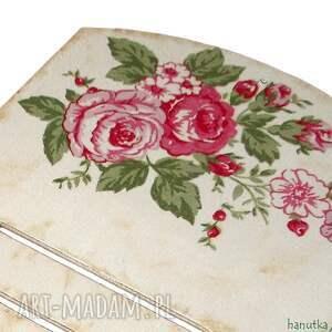 różowe wieszaki prezent subtelne różyczki - deseczka pod