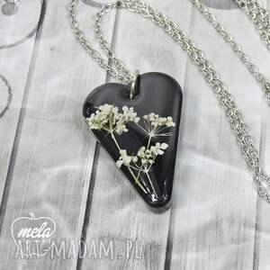 mela art 0755/mela wisiorek z żywicy z kwiatami - czarny - naszyjnik epoksyd