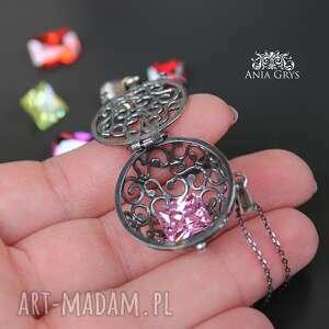 cyrkonie wisiorki biżuteria jak kobieta - zmienną