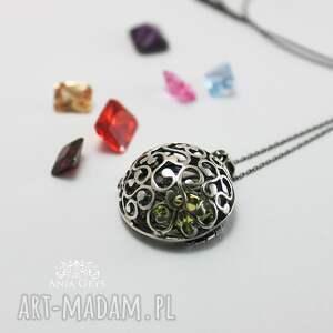 kolorowe wisiorki wisiorek biżuteria jak kobieta - zmienną