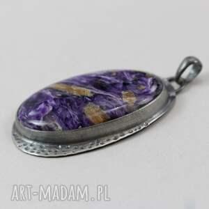 handmade wisiorki fakturowane czaroit w fakturowanym srebrze