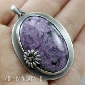 oksydowany wisiorki czaroit z kwiatkiem - srebrny
