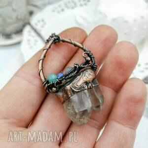 Pracownia Miedzi wisiorki: Double - naszyjnik z kryształem podwójnym górskim i kamieniami surowy kwarc