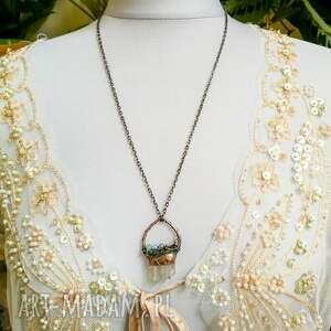 Pracownia Miedzi wisiorki: Double - naszyjnik z kryształem podwójnym górskim i kamieniami surowy wisior