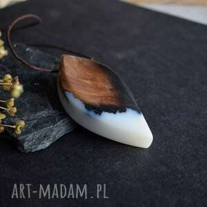 masywny wisior wisiorki brązowe duży z drewna