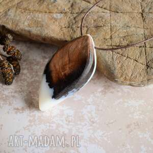 czarne naszyjnik duży wisior z drewna
