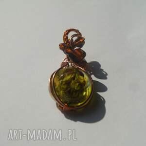wire-wrapping wisiorki zielone hannah - zawieszka z żywicy