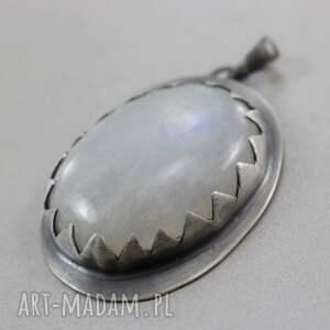wisior wisiorki kamień księżycowy w srebrnych